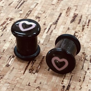 9.5mm Heart Top Hats